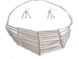 Fashion Jewelry Tube Necklace and Earrings